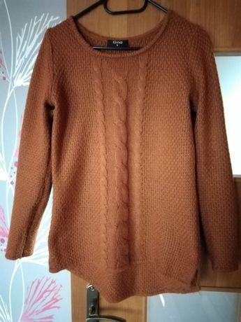 Sweterek damski.