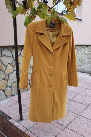 Пальто весна осінь