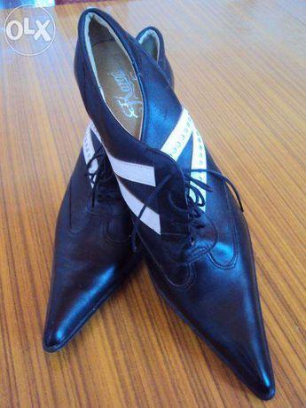 Buty całe skórzane czółenka wiązane na szpilce