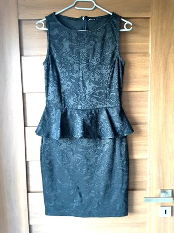 Czarna Sukienka MOHITO M z baskinką stan bdb