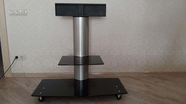 Стеклянный столик под т/в
