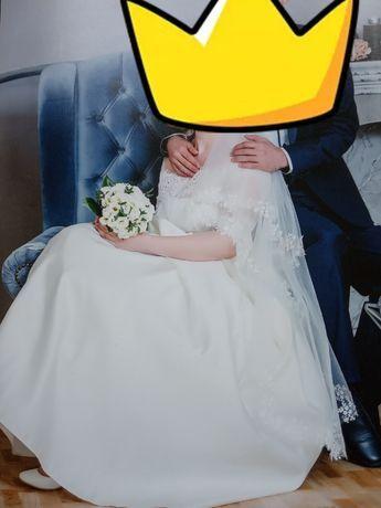 Весільне плаття в ідеальному стані
