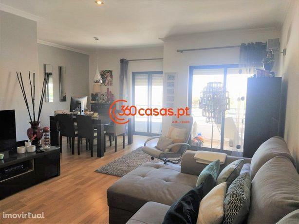 Apartamento T3 com estacionamento e arrecadação no Montenegro, Faro