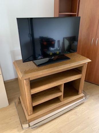 Drewniana szafka / komoda pod telewizor z obrotowym blatem