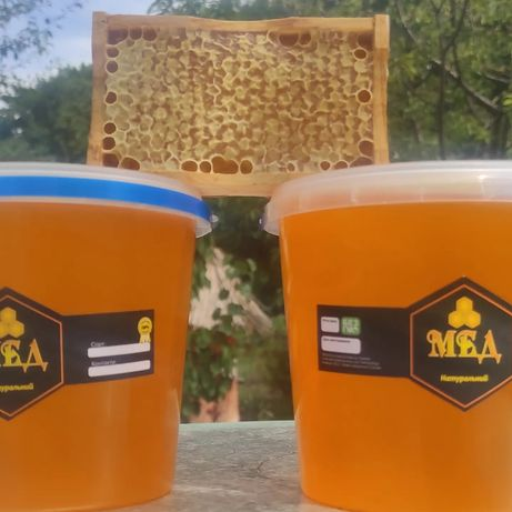 Мед , мед на рамці.
