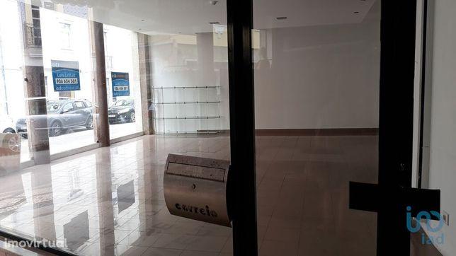Loja - 168 m²
