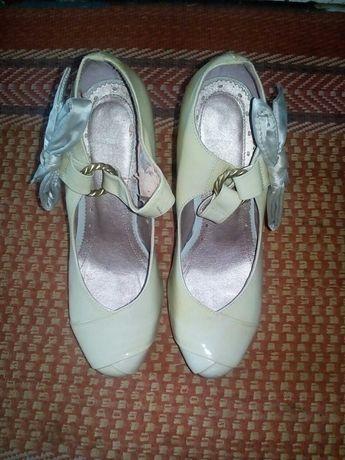 Туфлі розмір 37