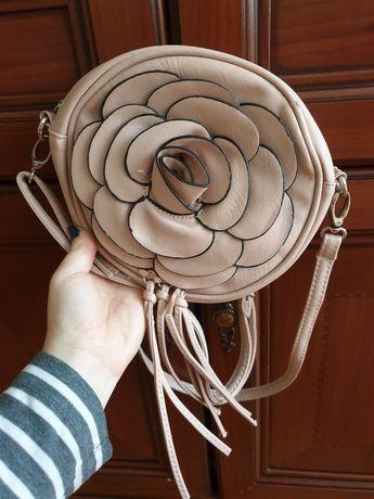 Mała torebka skórzana damska dziewczęca pudrowy róż