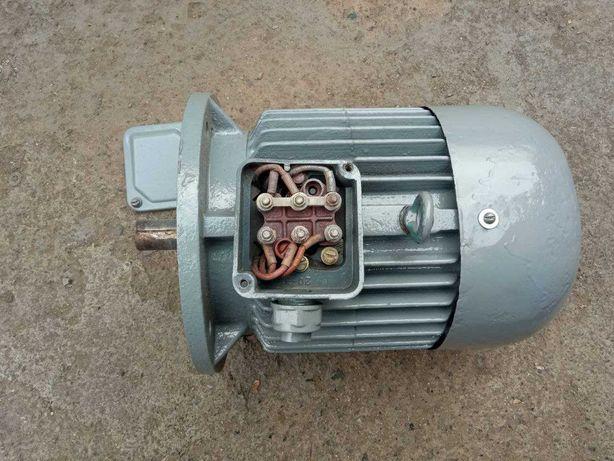 Электродвигатель 4 кВт 3000 оборотов електродвигун 220/380В
