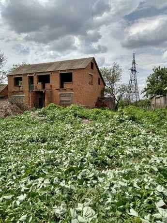 Продам земельну ділянку 40 соток з недобудовою
