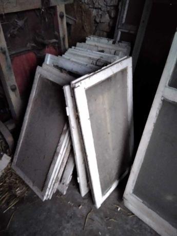 Okna drewniane z szybami gratis