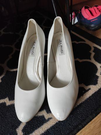 Szpilki,buty ślubne 39