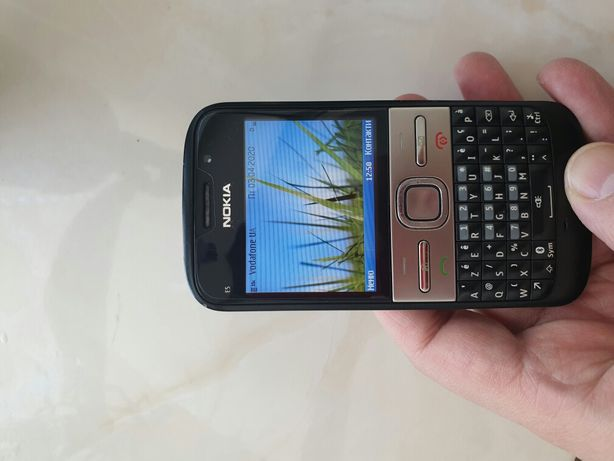 Продам Nokia E5