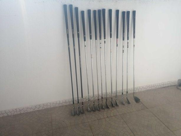 Lote de 11 tacos de golfe variados