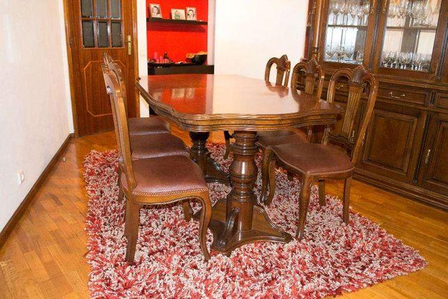 Mesa de cerejeira