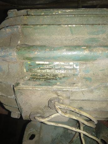 Аолб 32-4 асинхронный двигатель
