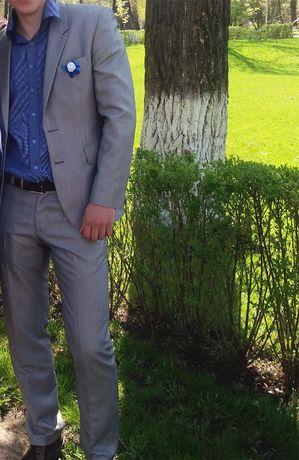 костюм мужской свадебный, выпускной р.48 1800 руб.