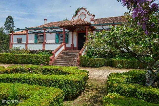 Quinta com casa senhorial, inserida numa propriedade de 13 ha, Águeda