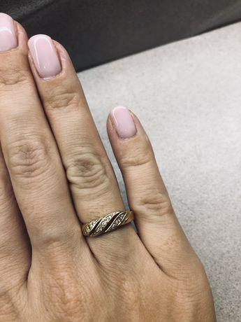 Złoty poerścionek z cyrkoniami próba 585