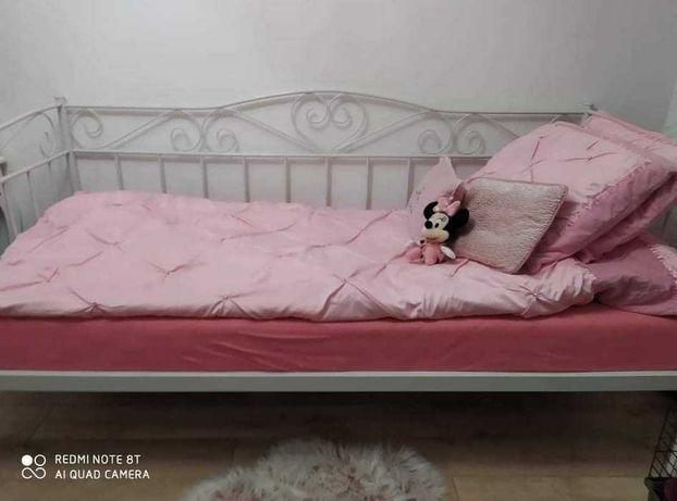 łóżeczko dziewczęce