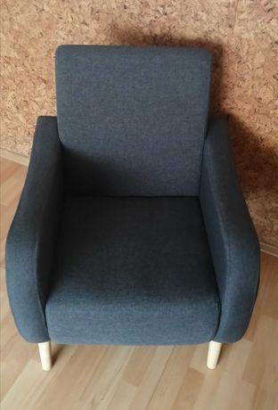 Fotel tapicerowany Pervoi