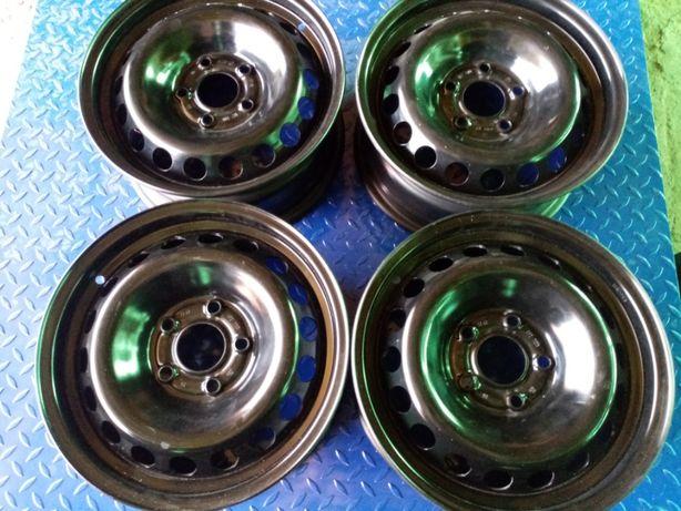15 5x114,3 - NISSAN oryginalny - 6,5Jx15H2 - ET43 - po renowacji
