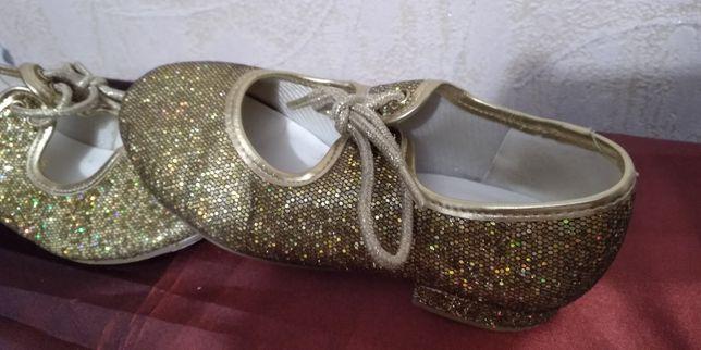 Туфли для танцев на девочку. Англия
