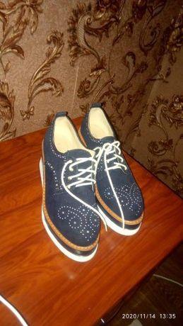 Продам туфлі. Почті нові.