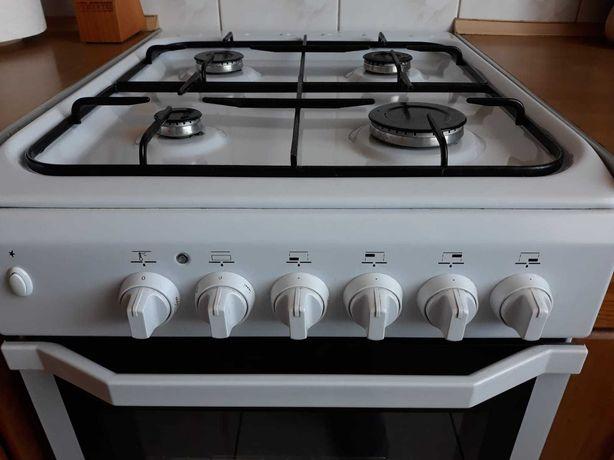 Kuchenka gazowa Indesit