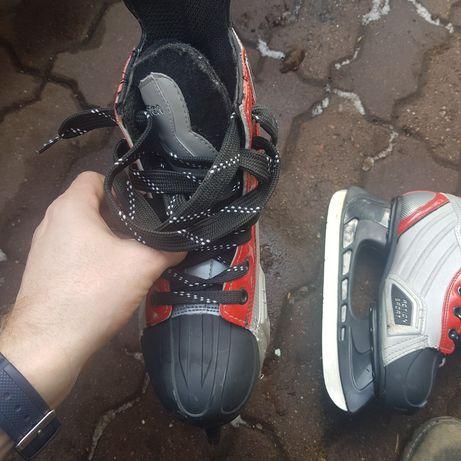 Łyżwy hokejowki Eu 40  25,5cm wkładka