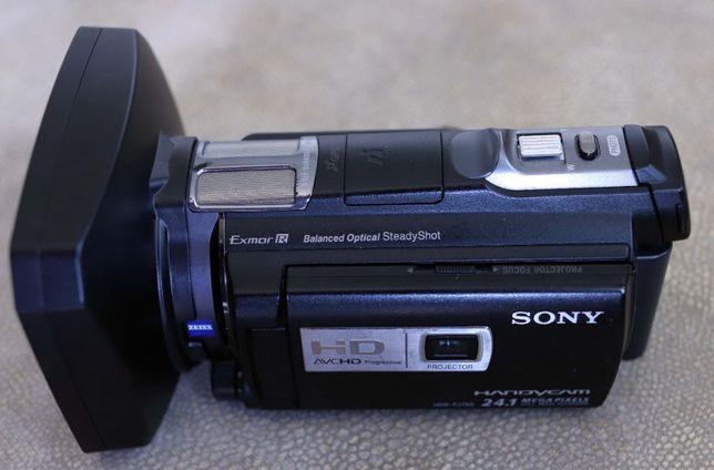 Продам Sony HDR-PJ 780E . Отличная камера для блогеров и репортажей.