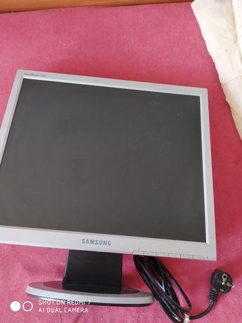 Монитор Samsung17 с питанием