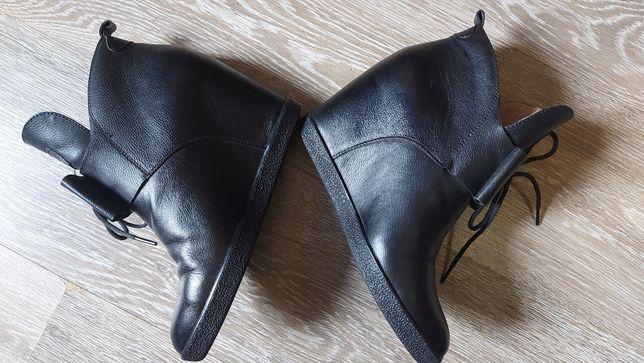 Кожанные ботинки ботильоны Basconi
