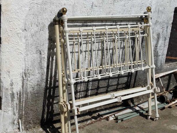 Camas de ferro antigas