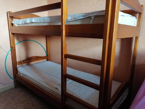 Продам кровать 2ух ярусную для детей