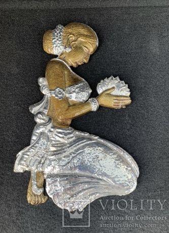 Барельеф Панно настенное женщина с цветком