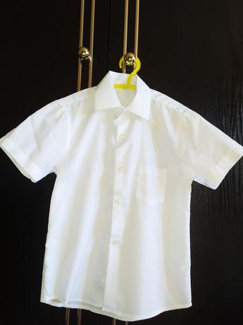 Продам рубашку с коротким рукавом
