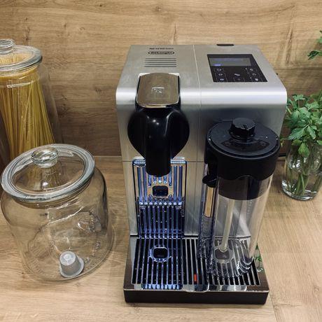 Ekspress na kapaułki Ekspres na kapsułki DeLonghi Nespresso EN750.MB