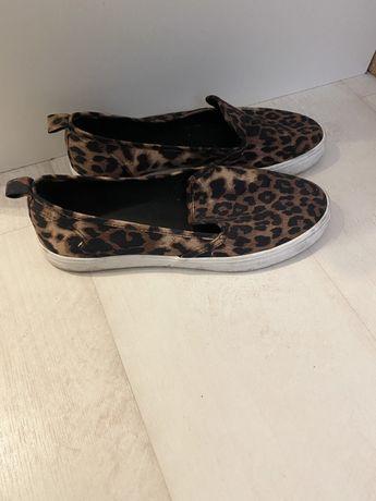 Oddam buty rozmiar 39