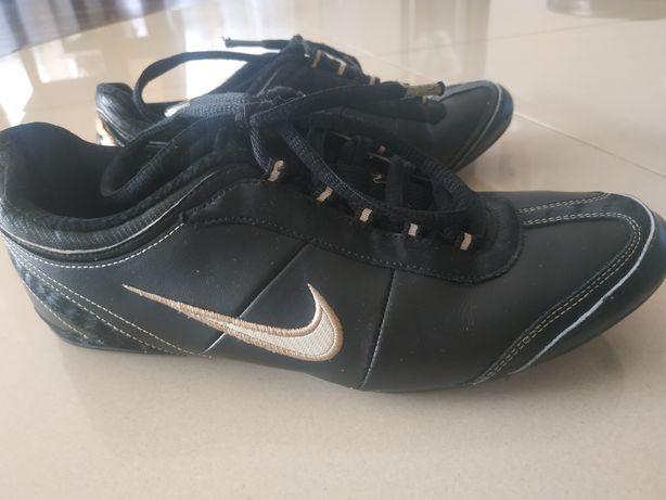 Buty Nike r.38