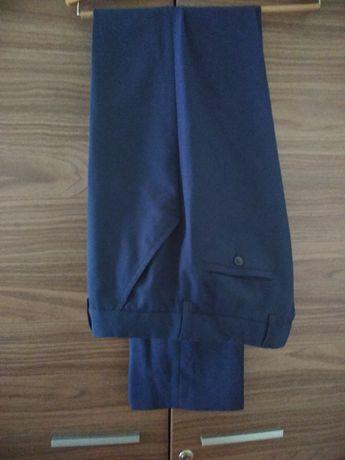 Garnier i spodnie