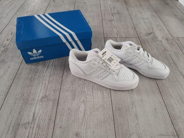 Adidas rivalry low 42 białe
