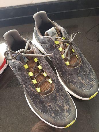 Tenis Adidas nr 39,5 usados 1 vez, como novos