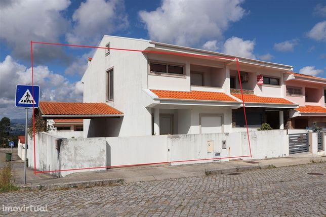 Moradia Geminada T3 Venda em Lustosa e Barrosas (Santo Estêvão),Lousad