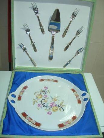 Prato antigo de porcelana (edição limitada) e 7 talheres