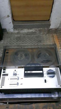 Magnetofon szpulowy unitra ZK 147