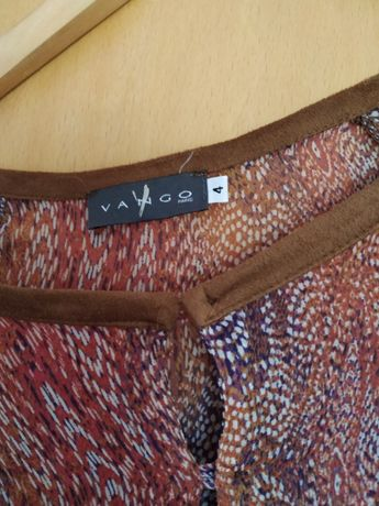 Blusa larga, usada 1 vez, cores alegres, M/L