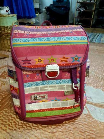 Рюкзак для девочки McNeil