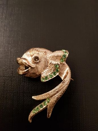 Broszka rybka.
