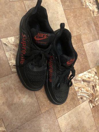 Продам модные кроссовки Nike в идеальном состоянии 36 размер